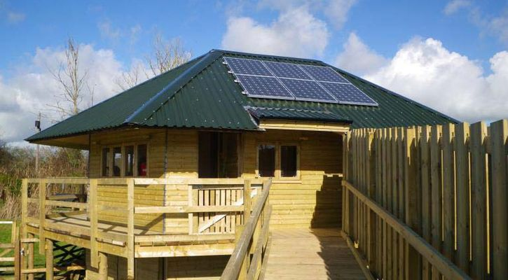 Seaton Marshes Wetlands Centre – Education Rooms – An Off-grid PV system